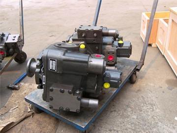 采棉机液压泵